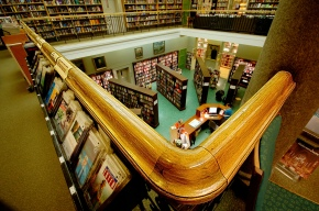 Using social media to save the library. Can itwork?