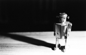 3 thoughts to help you stop using robots to fend off your customers